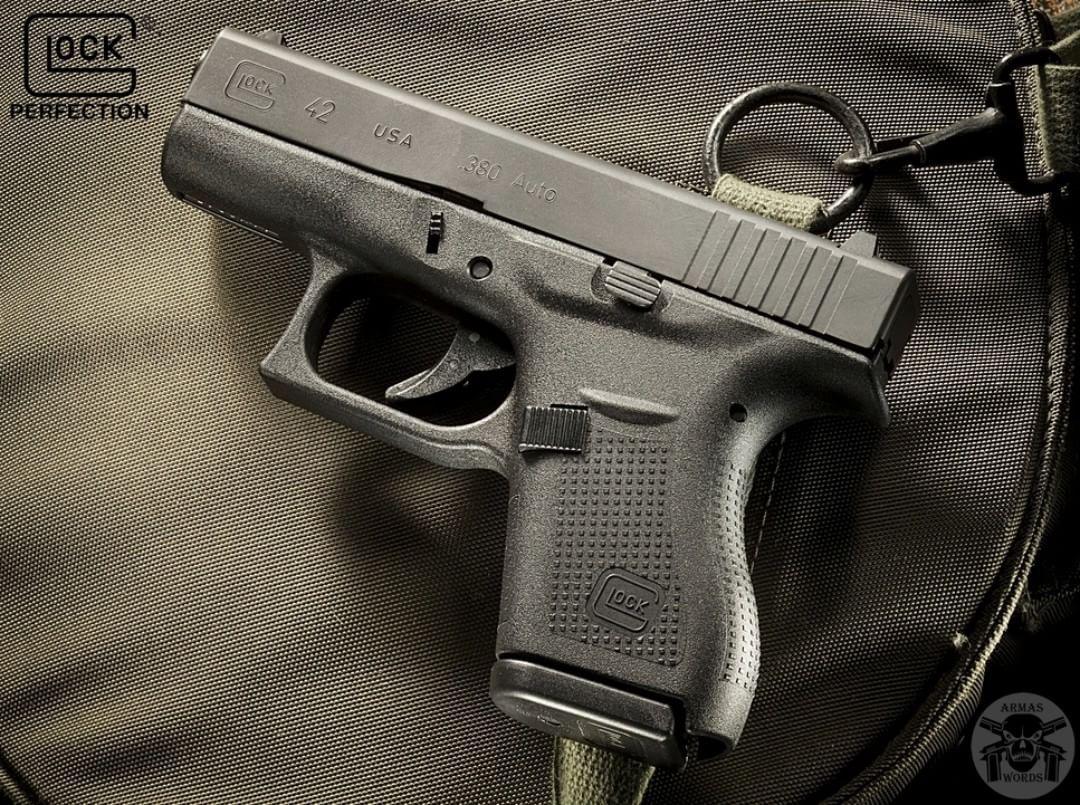 Manufacturer: Glock Mod. G42 Type - Tipo: Pistol Caliber - Calibre: 380 Auto Capacity - Capacidade: 6 Shot Barrel length - Comp.Cano: 3.25 Weight - Peso: 13.7...
