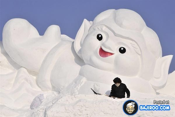 Incredible Pics of Snow Sculptures (30 Images)
