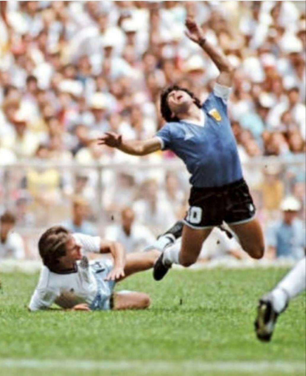Diego Argentina Vs Inglaterra 1986 En 2020 Diego Maradona Fotos Argentina
