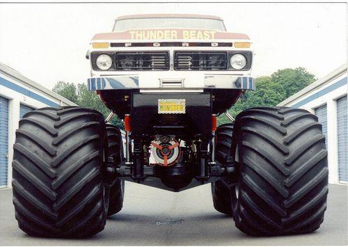 Monster Truck Thunder Beast! http://perrisautospeedway.com #autospeedway #speedway #attractions