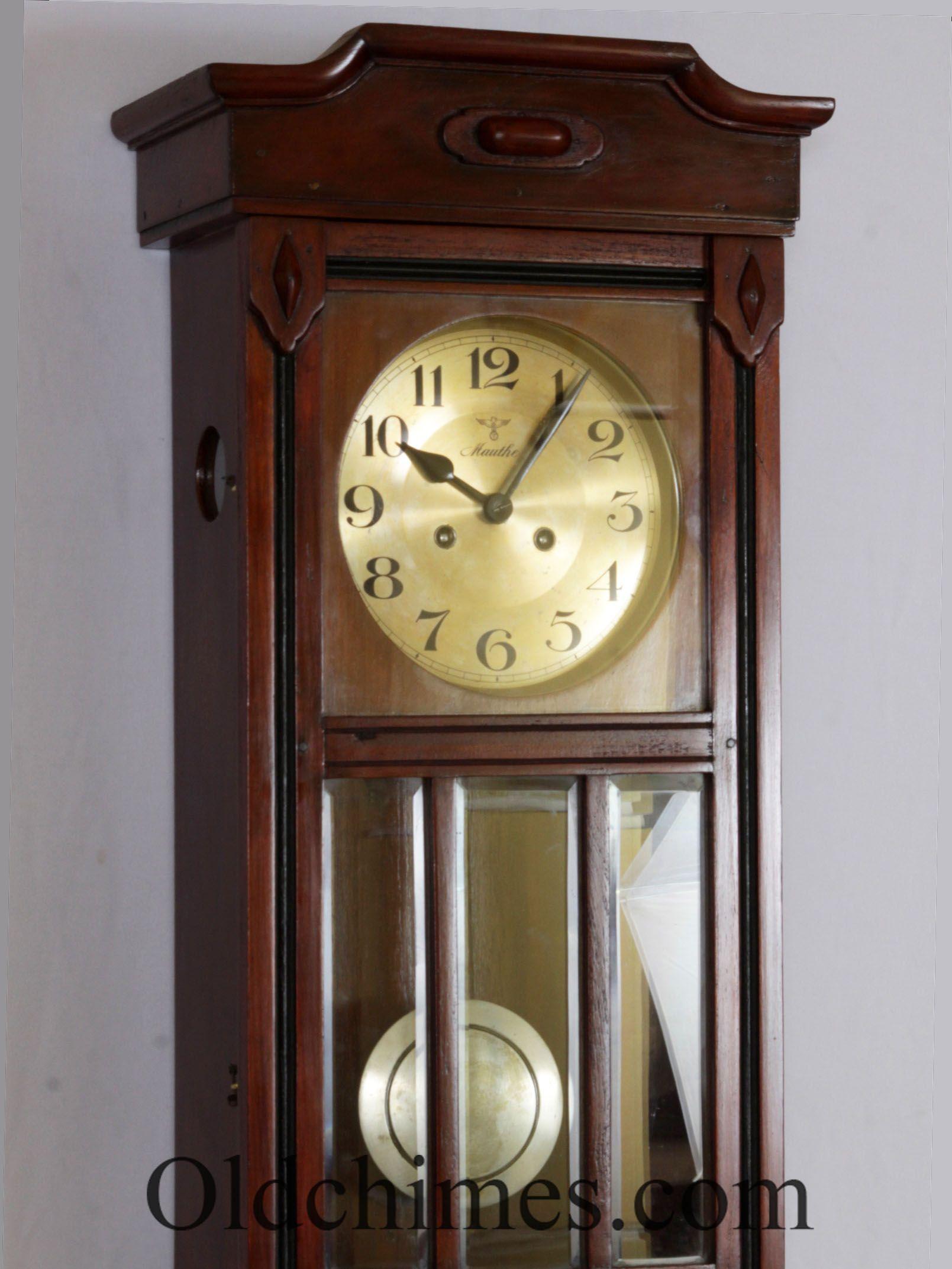 C0128. Sebagai informasi, mesin pada jam antik ini bukanlah mesin ...
