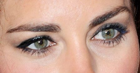 The Unusual Thing About Duchess Catherine S Eye Makeup Have You Ever Noticed This Before Kate Middleton Makeup Kate Makeup Beauty Hair Makeup