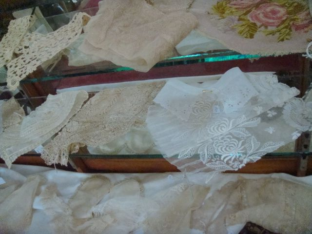 Antique Laces - Habadash Shop Stock