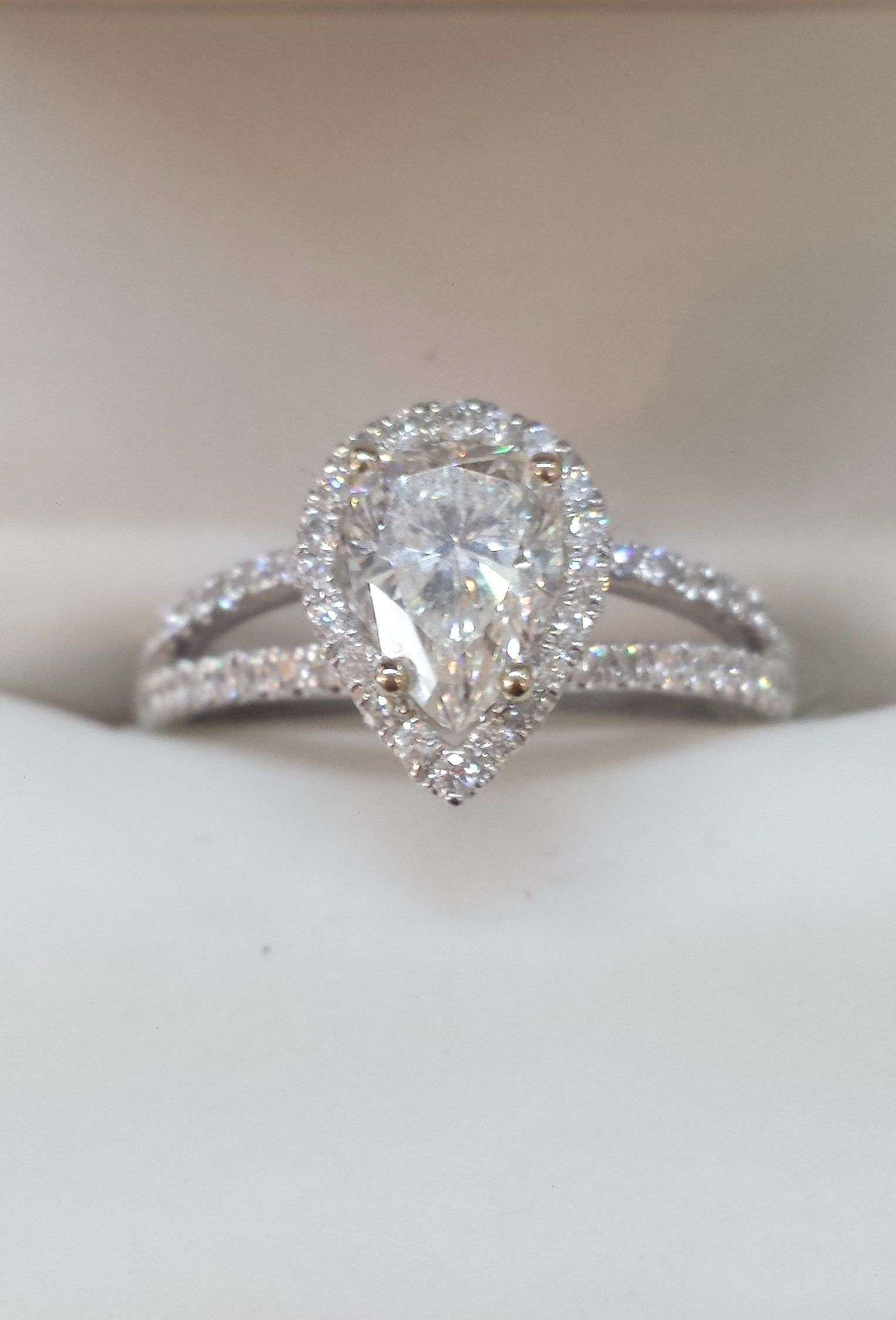 Adore This Sweet Pear Shaped Diamond Engagement Ring The Split