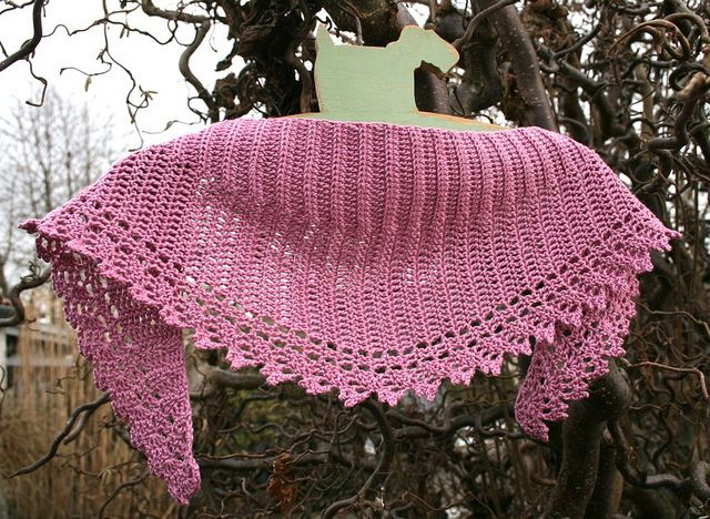 Ravelry: Spring Crescent pattern by Julie Aakjær | Tutos crochet ...