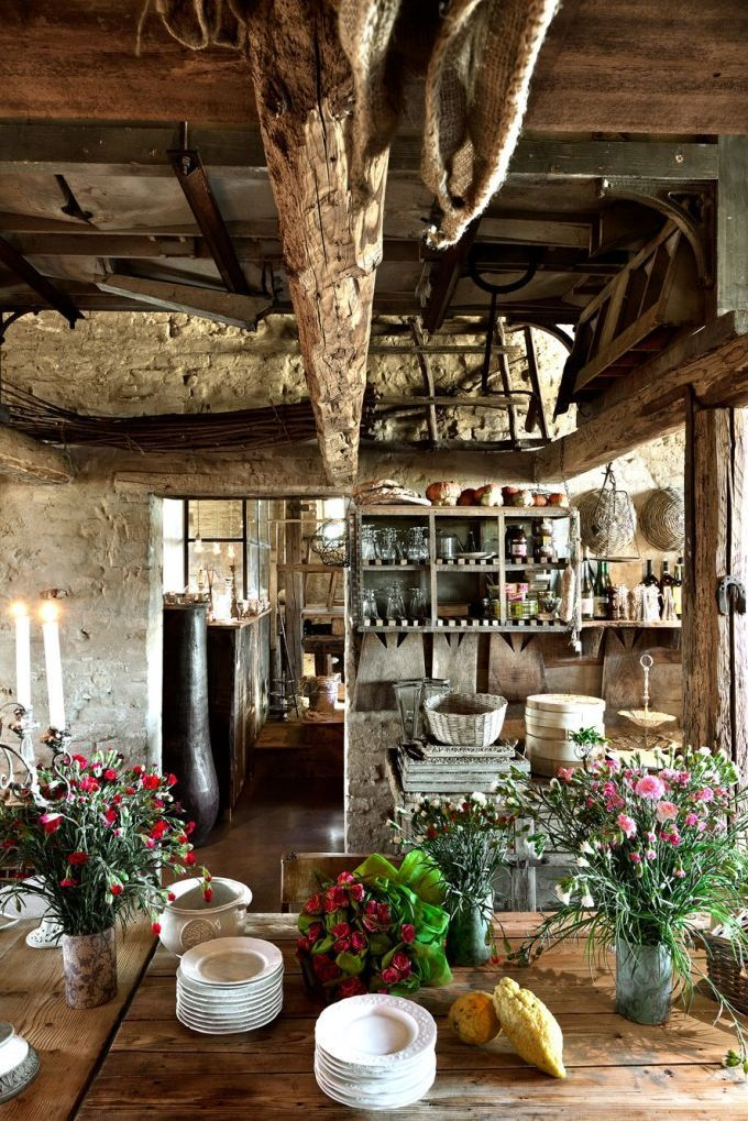 Italian Rustic Basement Kitchen: This Is Exactly How Country People In  Their Country Homes Make Use Of Space. Most Things Are Stored Or Hung From  The ...