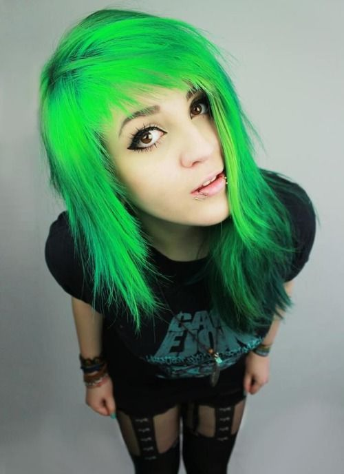 emo girl love green hair