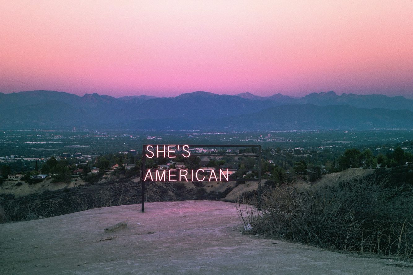SHE'S AMERICAN // THE 1975