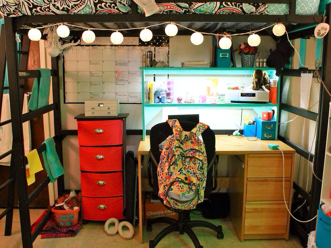 Medium Of College Room Setup