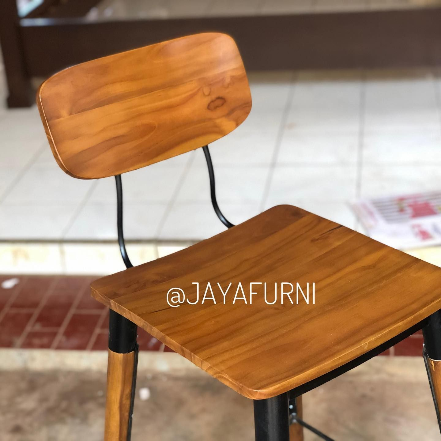 CUSTOM CHAIR  #furnituresale #furniturecafe #marketing #meubelminimalist #furniturebali #scandinavianhome #furnitureretro #teakwood #meubelmurah #furniturebandung #furniturejakarta #furniturevintage #diningtable #furniture #livingroom #jakartafurniture #vintage #homeliving #furnituremurah #instagood #kursicafe #furnituredesign #diningchair #homeinterior #interior #furnitureonline #interiordesignjakarta #sofabedmurah #kursibar #barchair