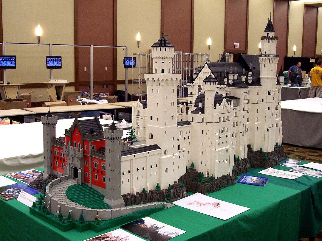 Neuschwanstein Castle Meticulously Built Of Legos Lego Architecture Neuschwanstein Castle Lego Art