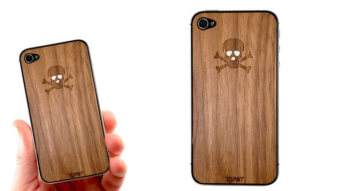 loving this iPhone cover - wood veneer with skull ... eu precisoooo....