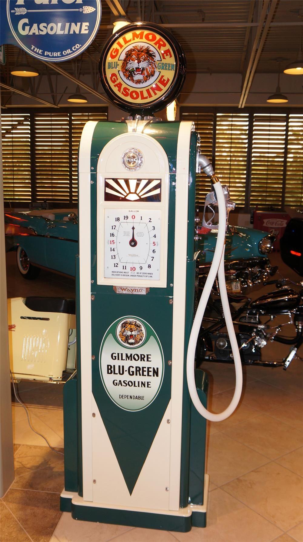 sizes of a gasoline station Old gas pump drawings or measurements  can anyone help me out with a scale drawing of a gas pump, circa 1940s 50s  if someone could give a hint about the size.