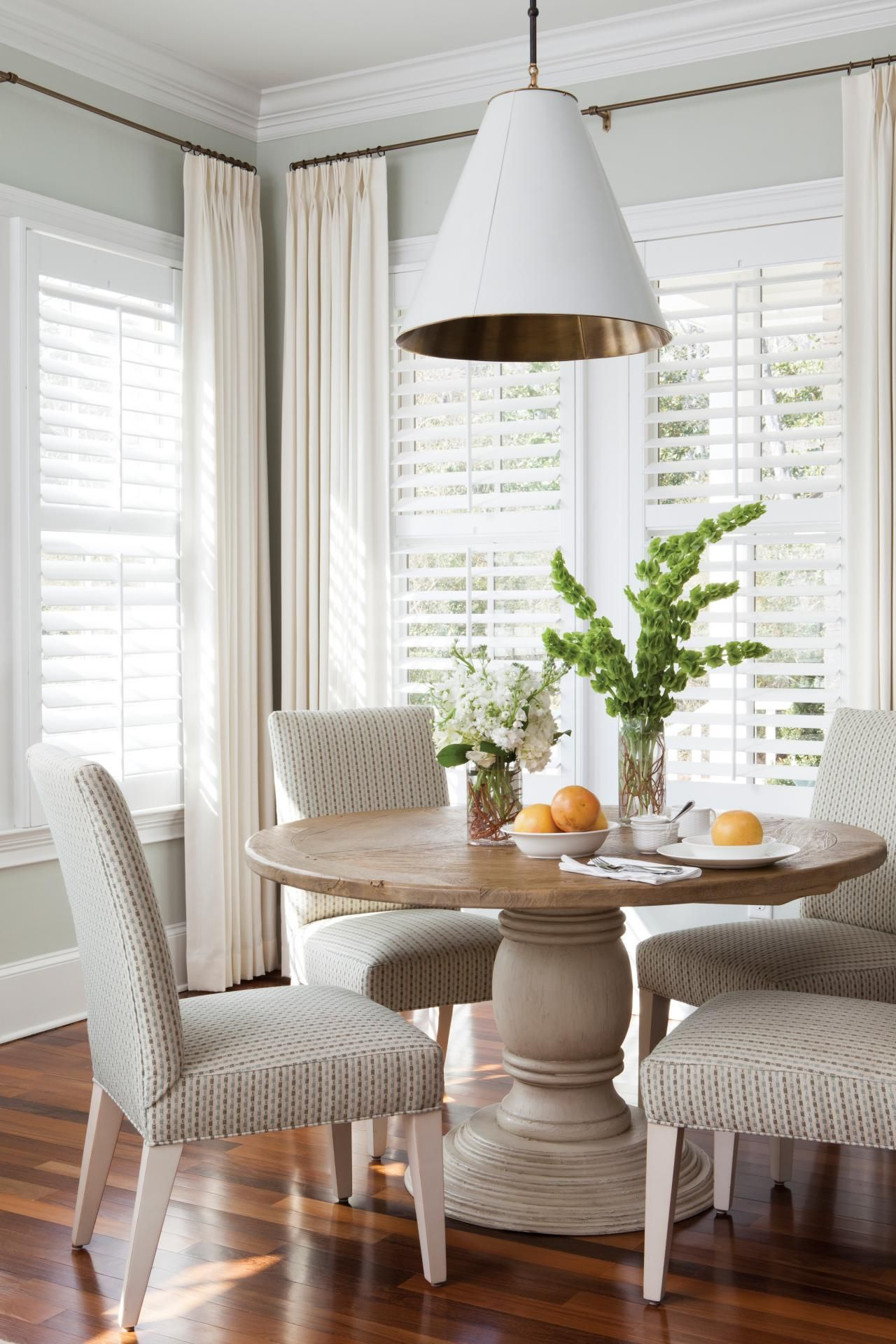 8 Tips For Making Beautiful Vignettes Interior Design Styles And Color Schemes For Home Dining Room Window Treatments Dining Room Windows Elegant Dining Room