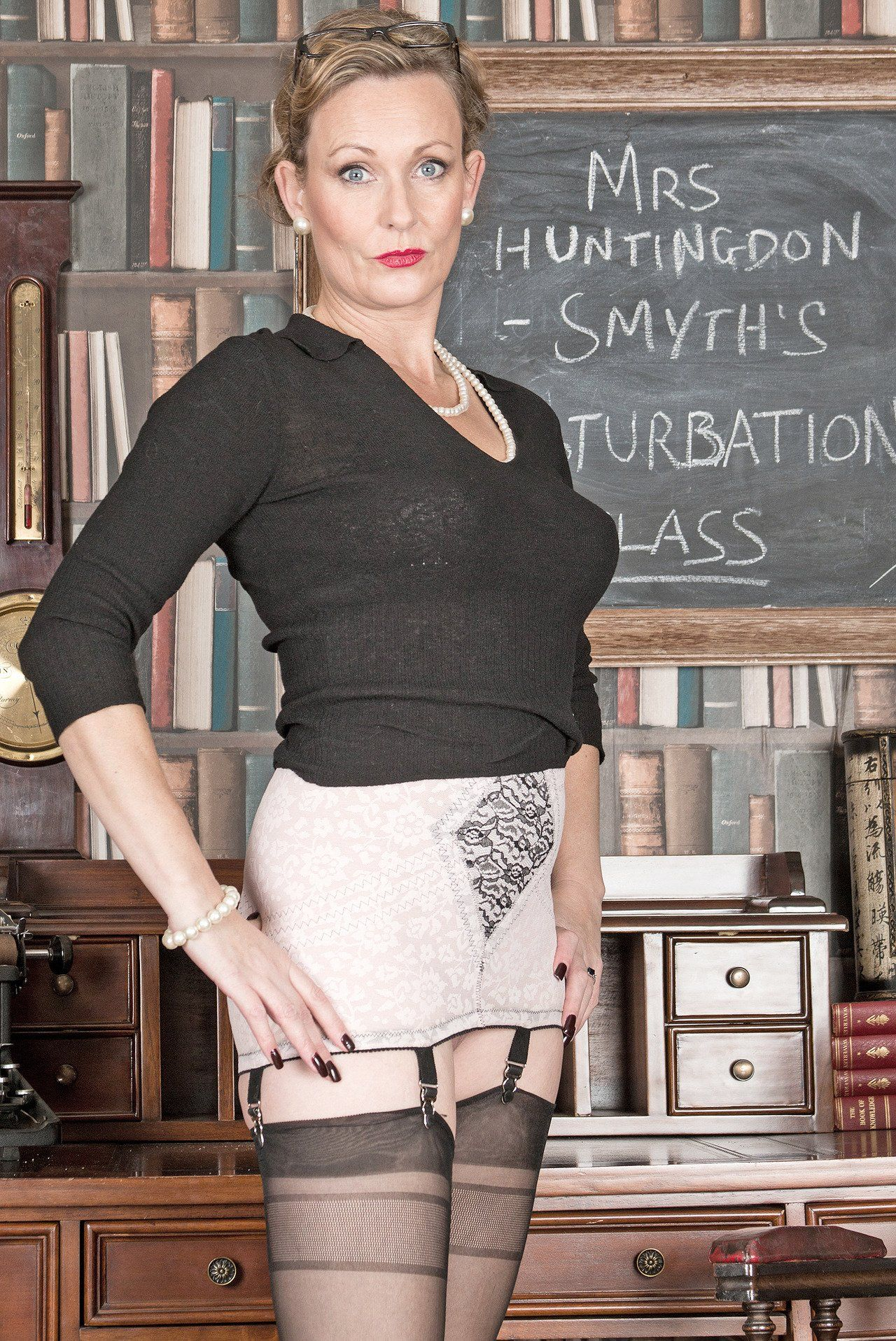 Mrs huntingdon smythe Pin On Librarians Teachers Students Oh My