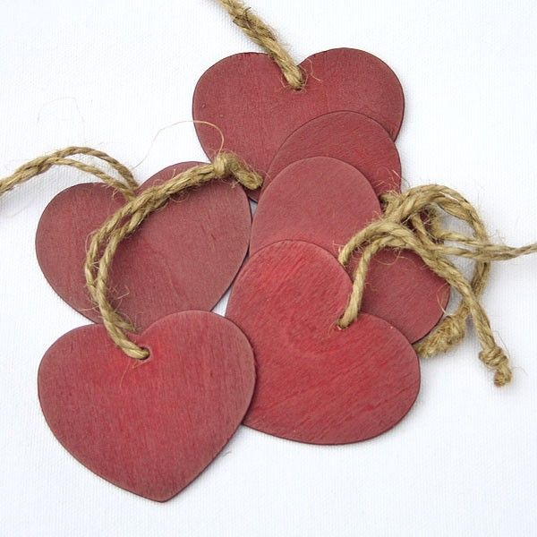 Red wooden heart gift tags