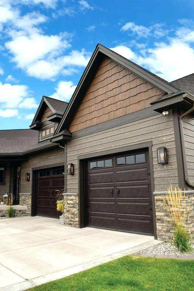 Best Exterior Paint For Wood Siding Awesome Exterior Siding Colors Grey Vinyl Siding Houses Exterior Greyexteriorhousecolors In 2020 House Paint Exterior Exterior Siding Colors Craftsman Exterior