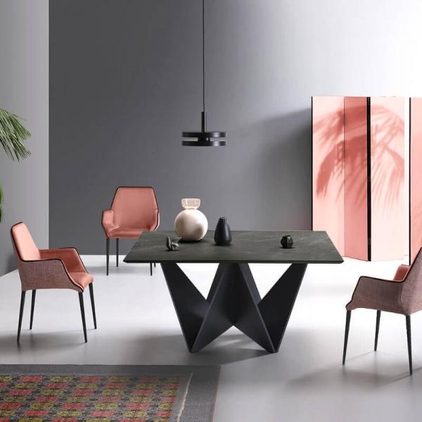 table design carree en ceramique avec