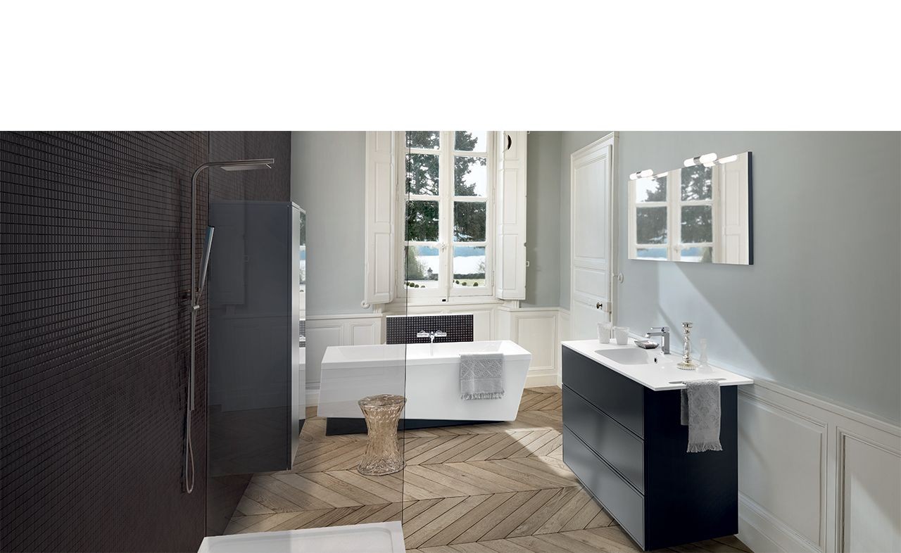 Boxea Caneo; In Classic Monochrome With Clean Lines And