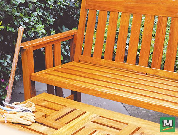Rust Oleum Varathane Premium Spar Urethane Is The Right Finish For Any Wood Project This Oil Based Formula Quic Staining Wood Outdoor Chairs Patio Furniture
