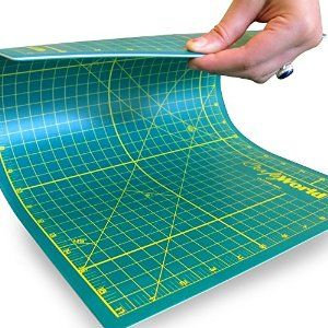 Crafty World Pro Quality Cutting Mat 12x18 60 Off Today Sturdy Self Healing Mat Is The Perfect Cutting Mat For All Arts Crafts Use Our Cu Sewing Workshop