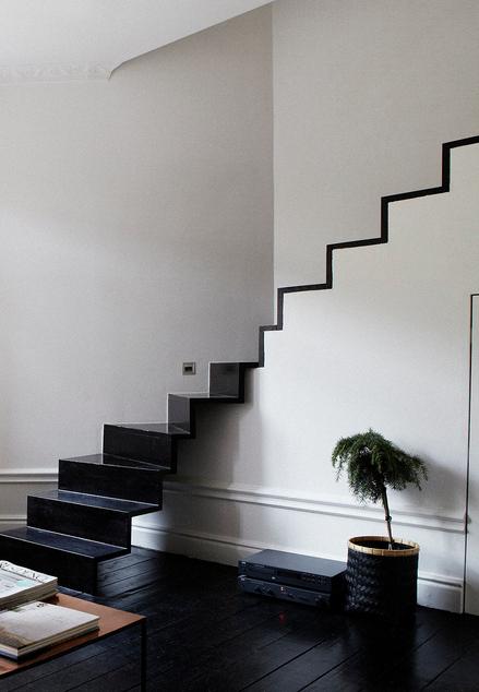 Bonita solución para una escalera en esquina.