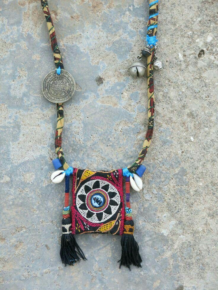 Pin by Sandra de Roubaix on Fabric necklaces | Pinterest | Textile ...