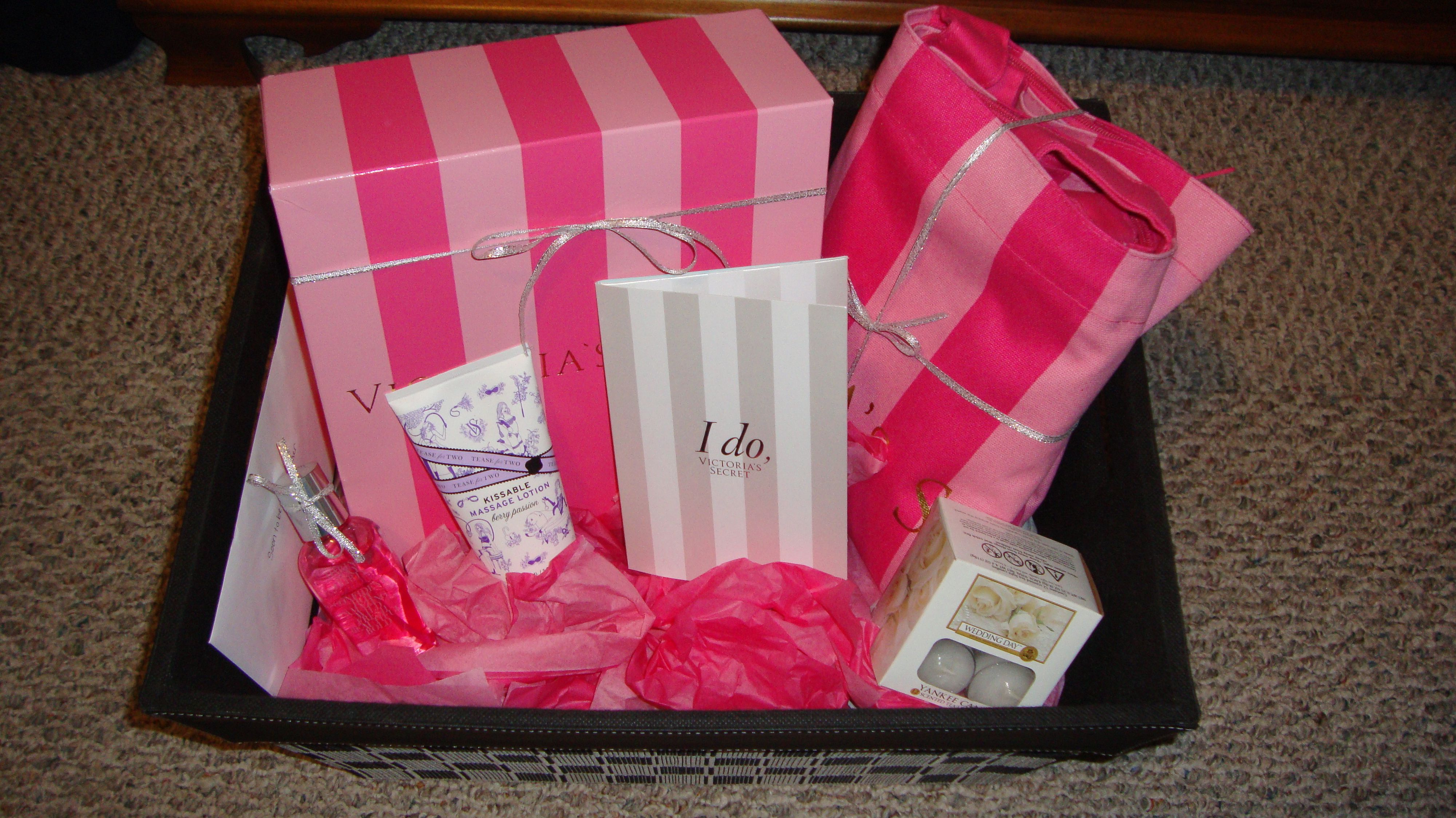 Wedding Gift Presents: Bridal Shower Gift Idea! Inside The Victoria Secret Box