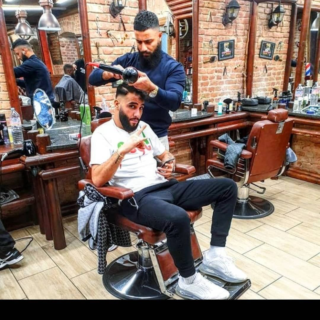 Gefallt 35 Mal 0 Kommentare S Mra C Pit L Br Capi Samra Updates Auf Instagram Samra Beim Friseur In 2020 Neymar Neymar Jr Stationary Bike