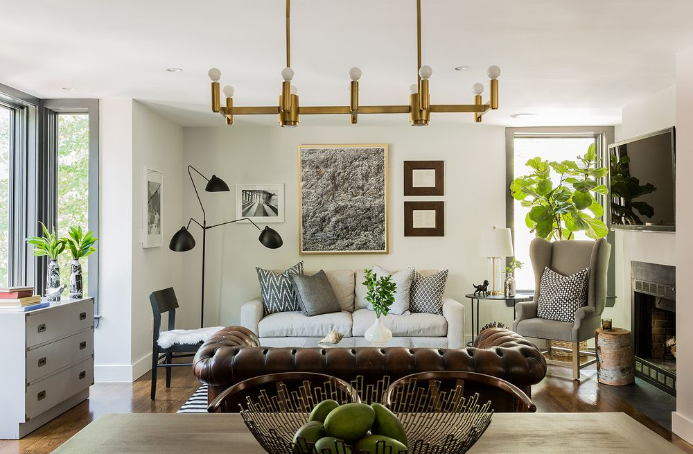 The Living And Dining Space Have White Walls A Comfortable Eclectic Mix Of Furnishings Chosen For Visual Textural Interest Interior Design By