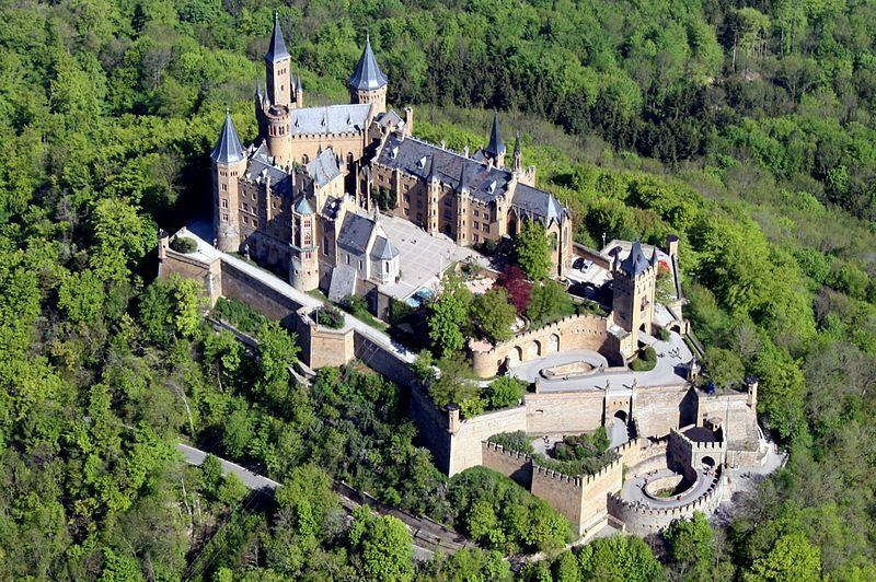 Burg Hohenzollern Burg Villen Luftaufnahme