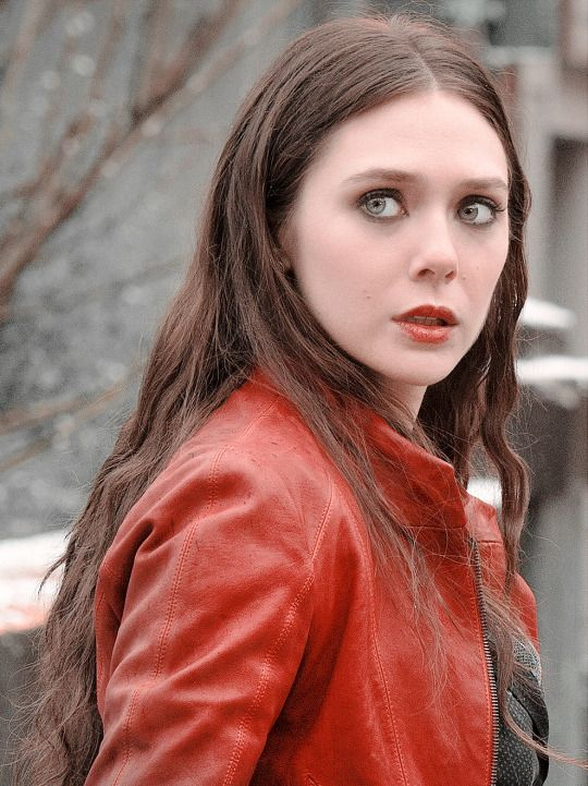 Wanda Maximoff Scarlet Witch Feiticeira Escarlate Escarlate Elizabeth Olsen