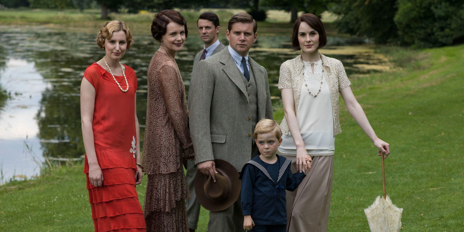 Joanne Froggatt responds to that mysterious Downton Abbey announcement