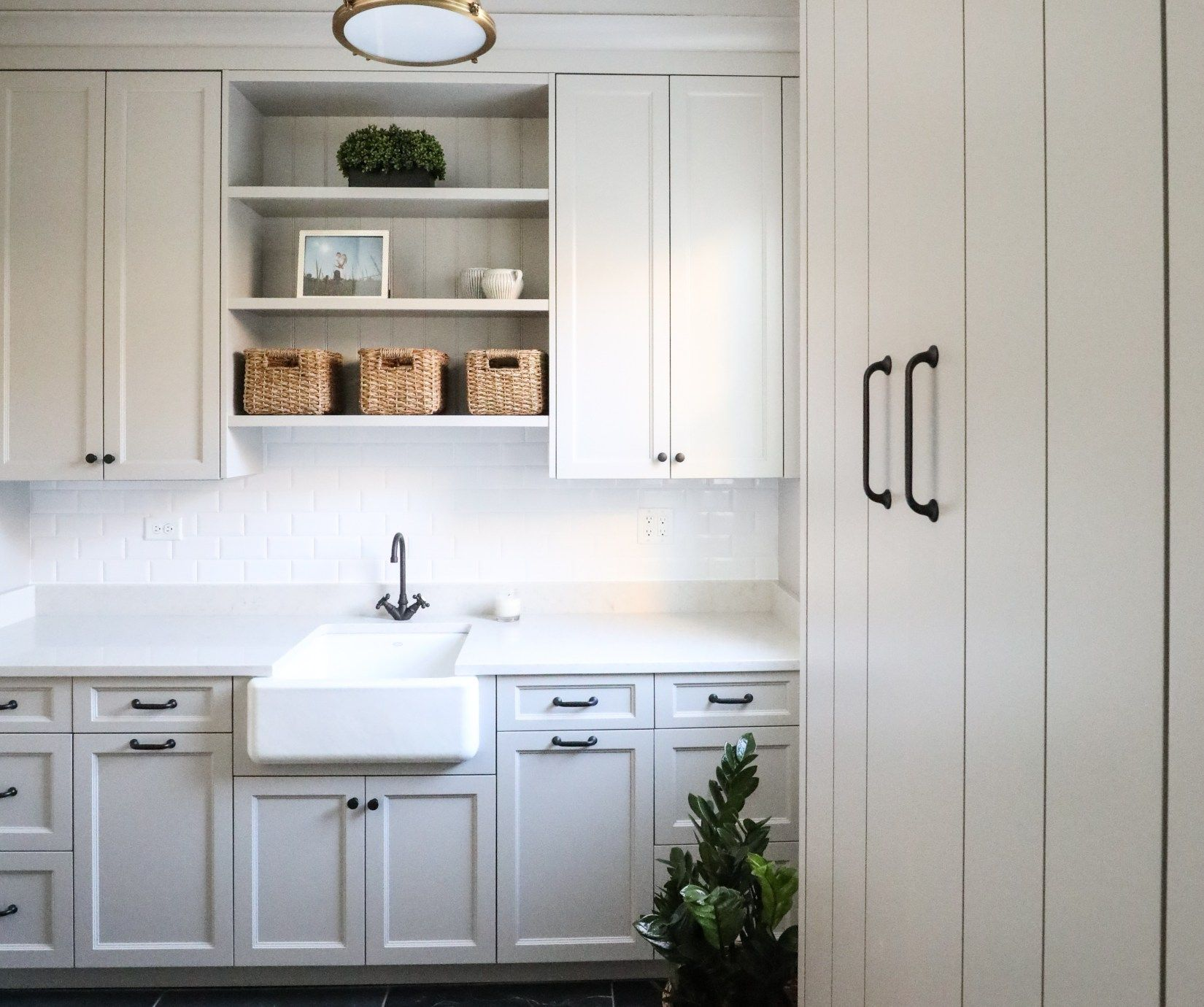 Best Hinsdale Kitchen Reveal Farrow Ball Lamp Room Grey 400 x 300