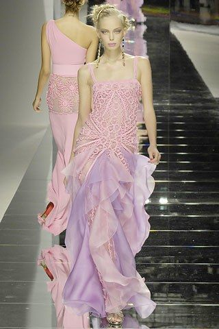 Valentino Spring 2008 Ready-to-Wear Collection Photos - Vogue