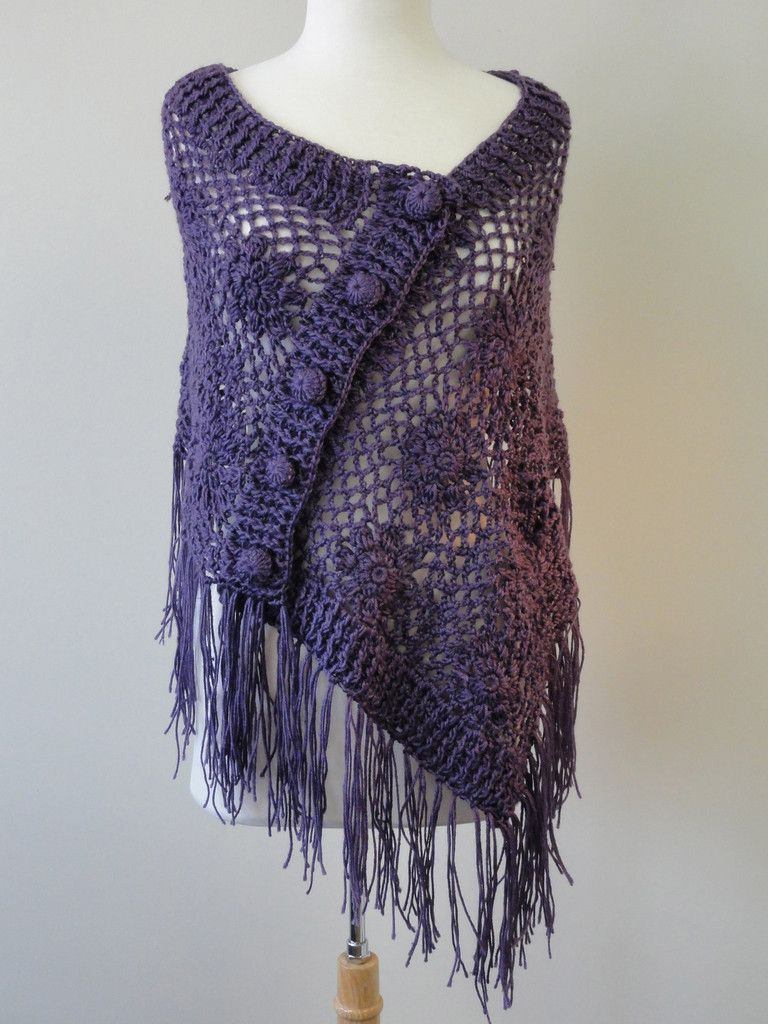 Crochet Button Shawl in Plum | Häkeln und Stricken