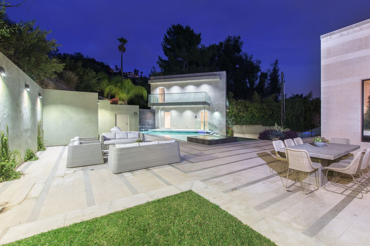 Luxury Real Estate In Los Angeles CA US   Gated Contemporary    Mediterranean Estate Above The Famed Sunset Strip   JamesEdition