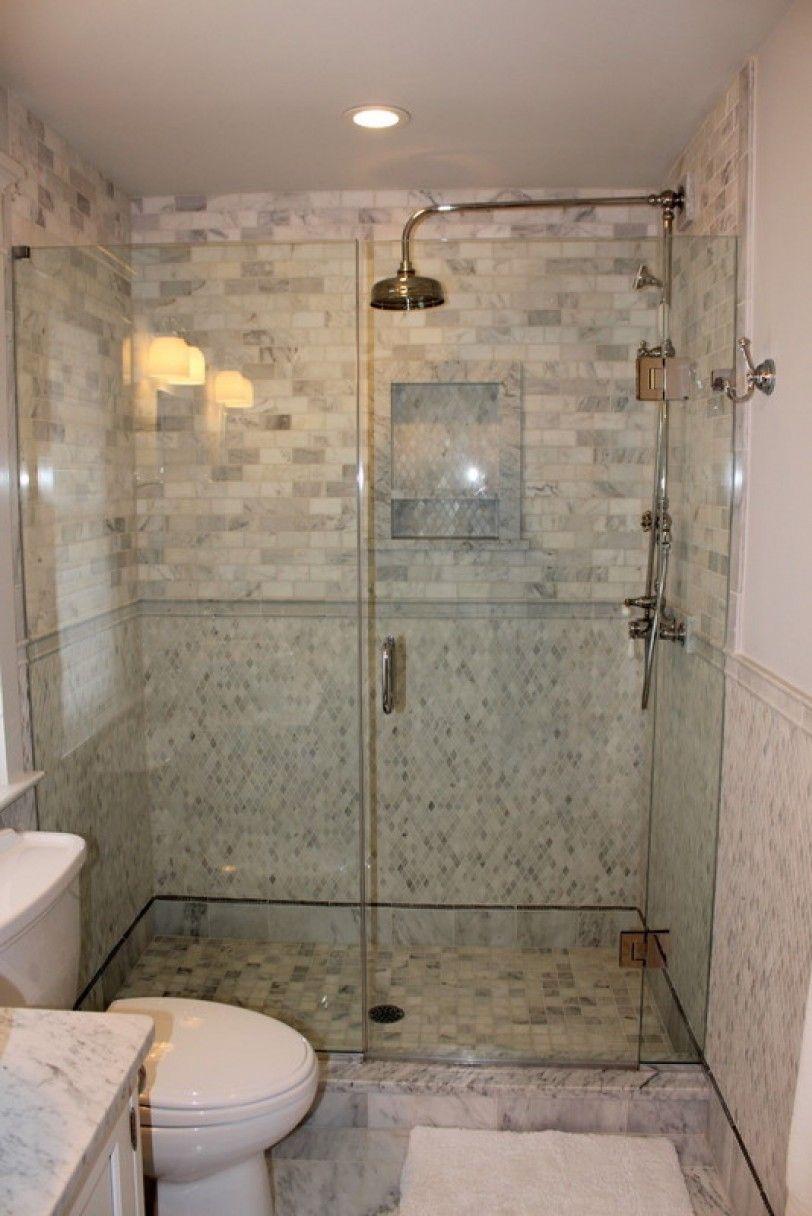 How To Choose The Right Bathroom Floor Tile Ideas For Various Designs Pisos Para Banos Banos Interiores Ventanas Para Bano