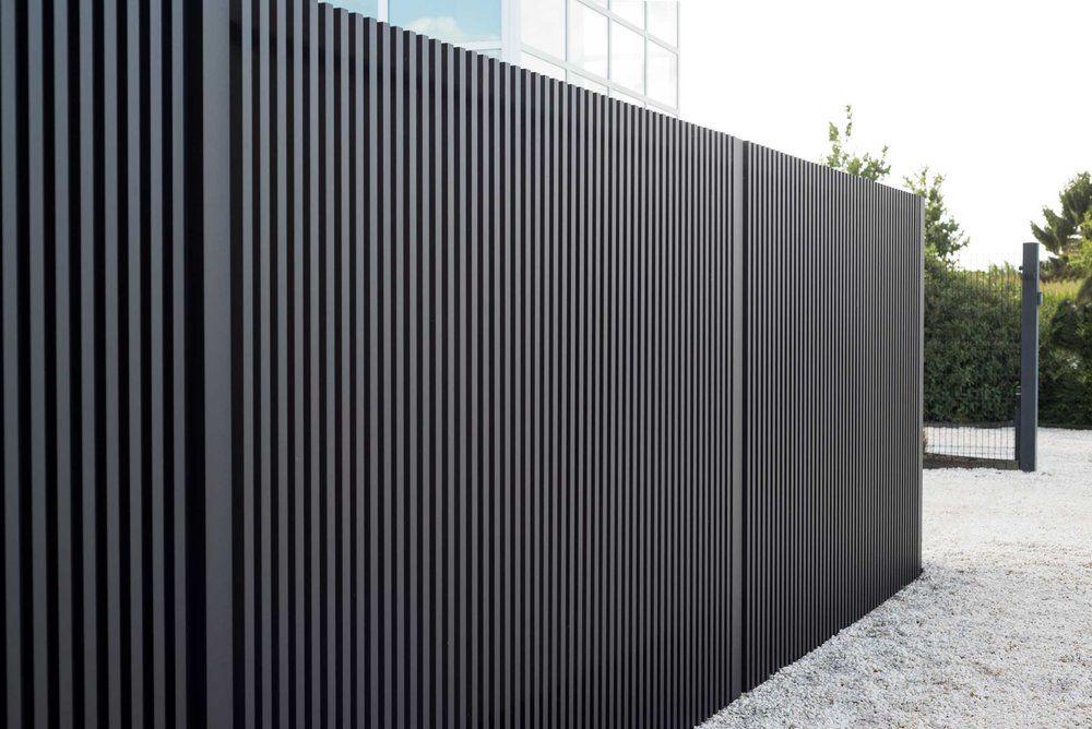 Perfekt verarbeiteter Aluminium Showroom – Mato