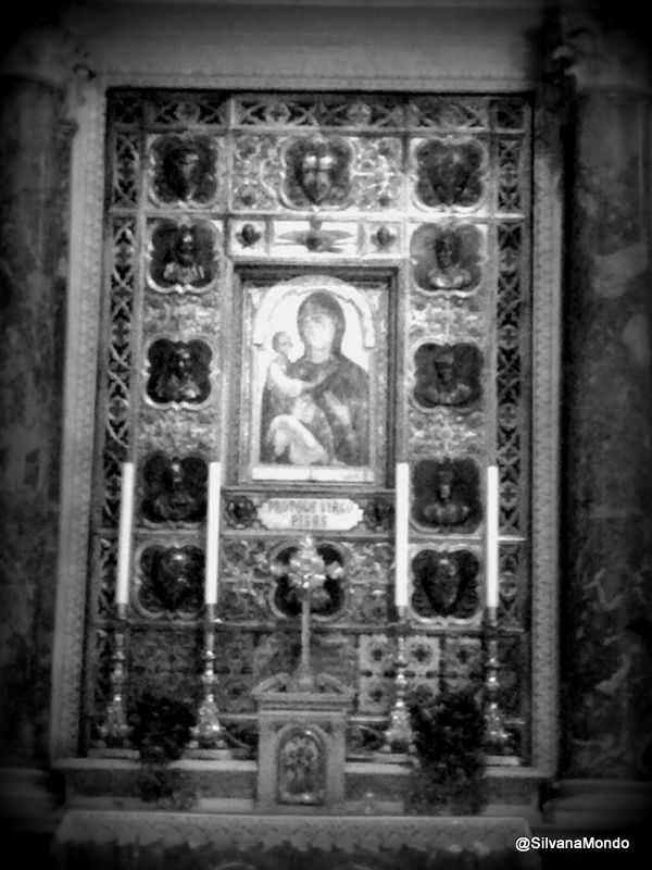 Mary in the Santa Maria Assunta, Piazza del Duomo, Pisa