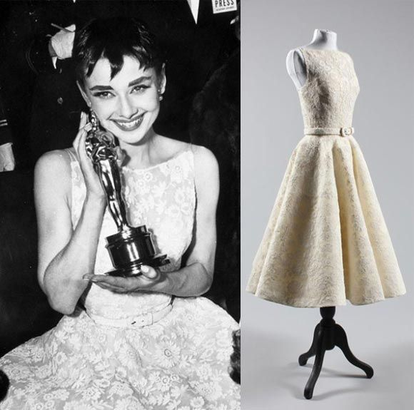 Audrey Hepburn In A White Floral Givenchy Dress Oscars1954 Iconic Dresses Givenchy Dress Wedding Dresses Lace