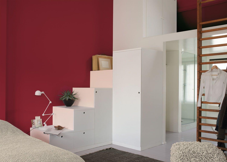 Geef je slaapkamer een warme en intieme sfeer met een rode