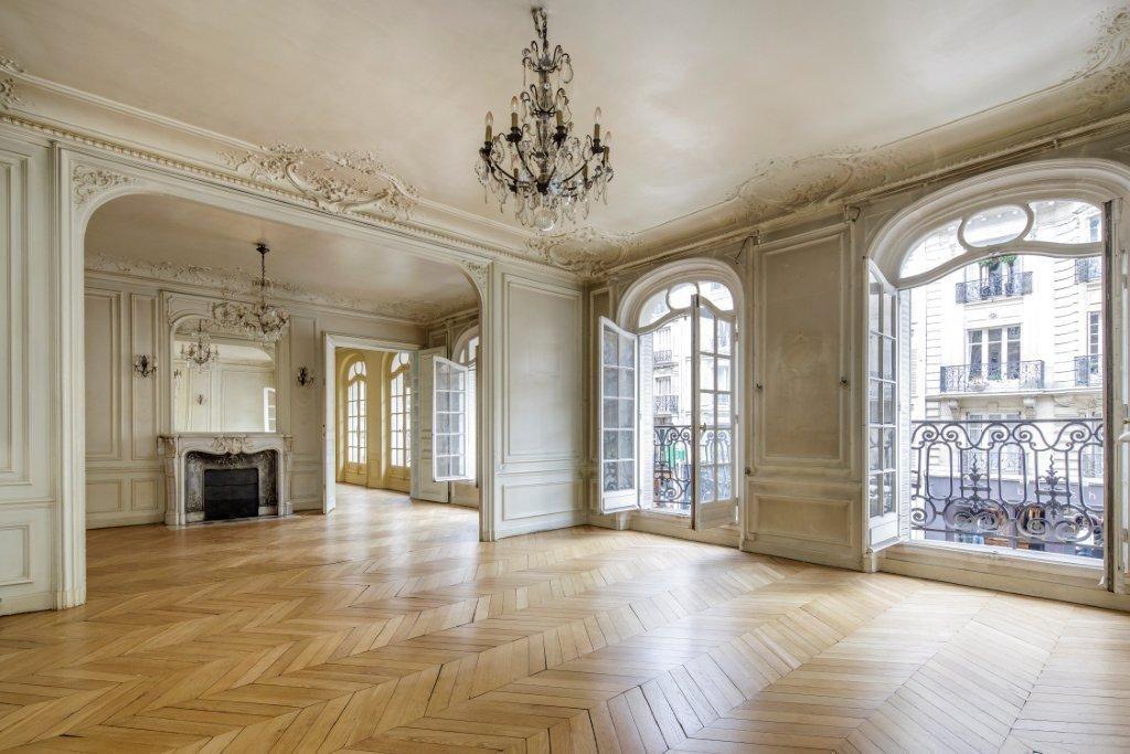 La maison c 39 est avant tout beaucoup et de grandes for Decoration fenetre de l avant