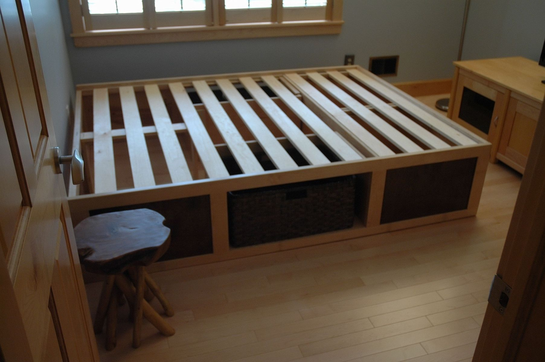 "60"" X 80"" Platform Bed With Storage Baskets"