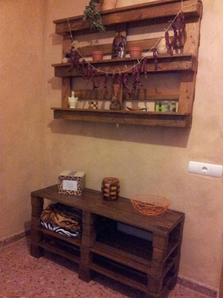 Mueble y estanteria de palets reciclar pinterest for Estanterias de palets