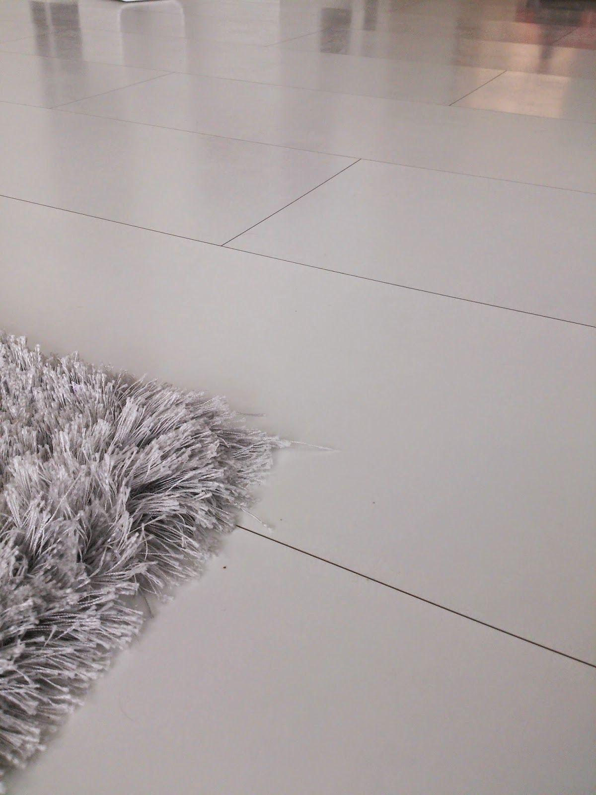Moderni valkoinen koti Toivepostaus Kokemuksia