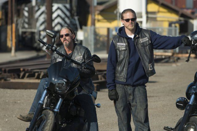 Charlie Hunnam photos, including production stills, premiere photos and other event photos, publicity photos, behind-the-scenes, and more.