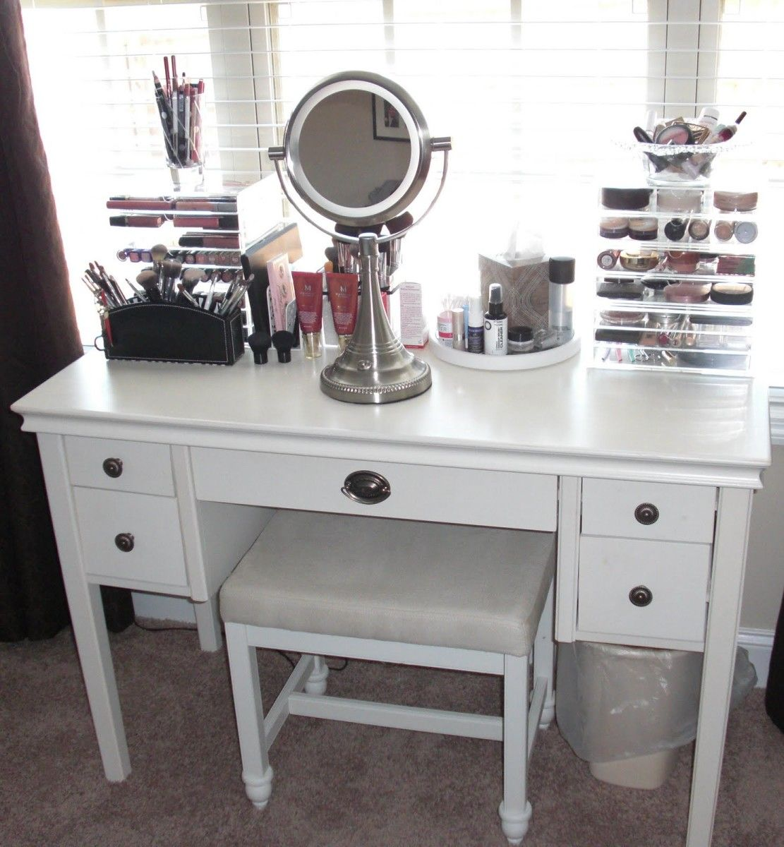 Furniture, Black Makeup Table With Lighted Mirror And