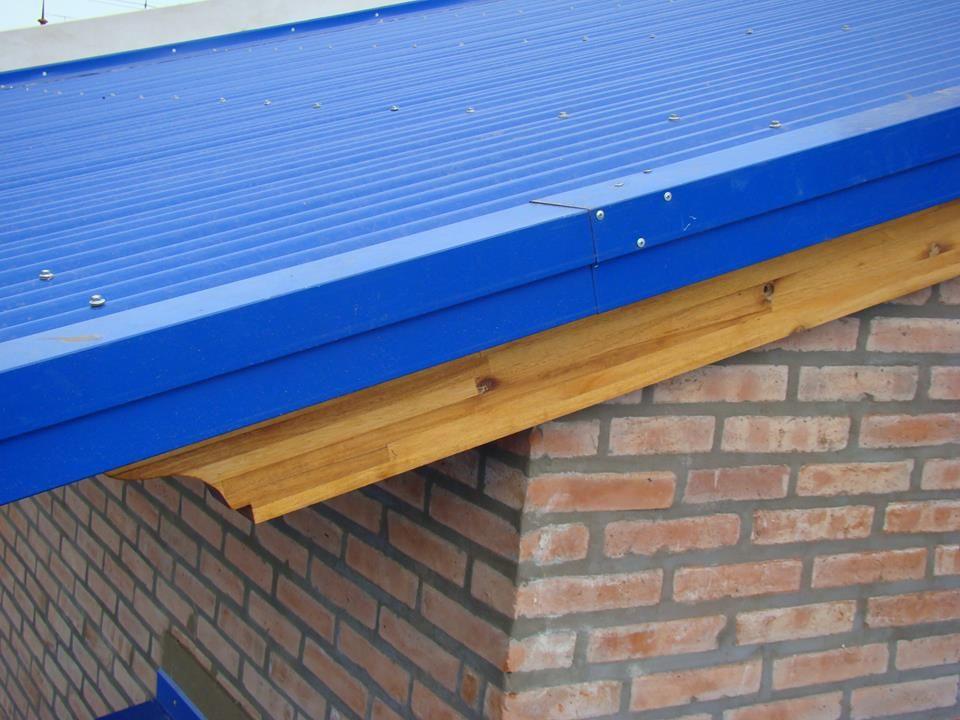 Terminaci n lateral de un techo de chapas cenefa buena for Terminaciones de techos interiores
