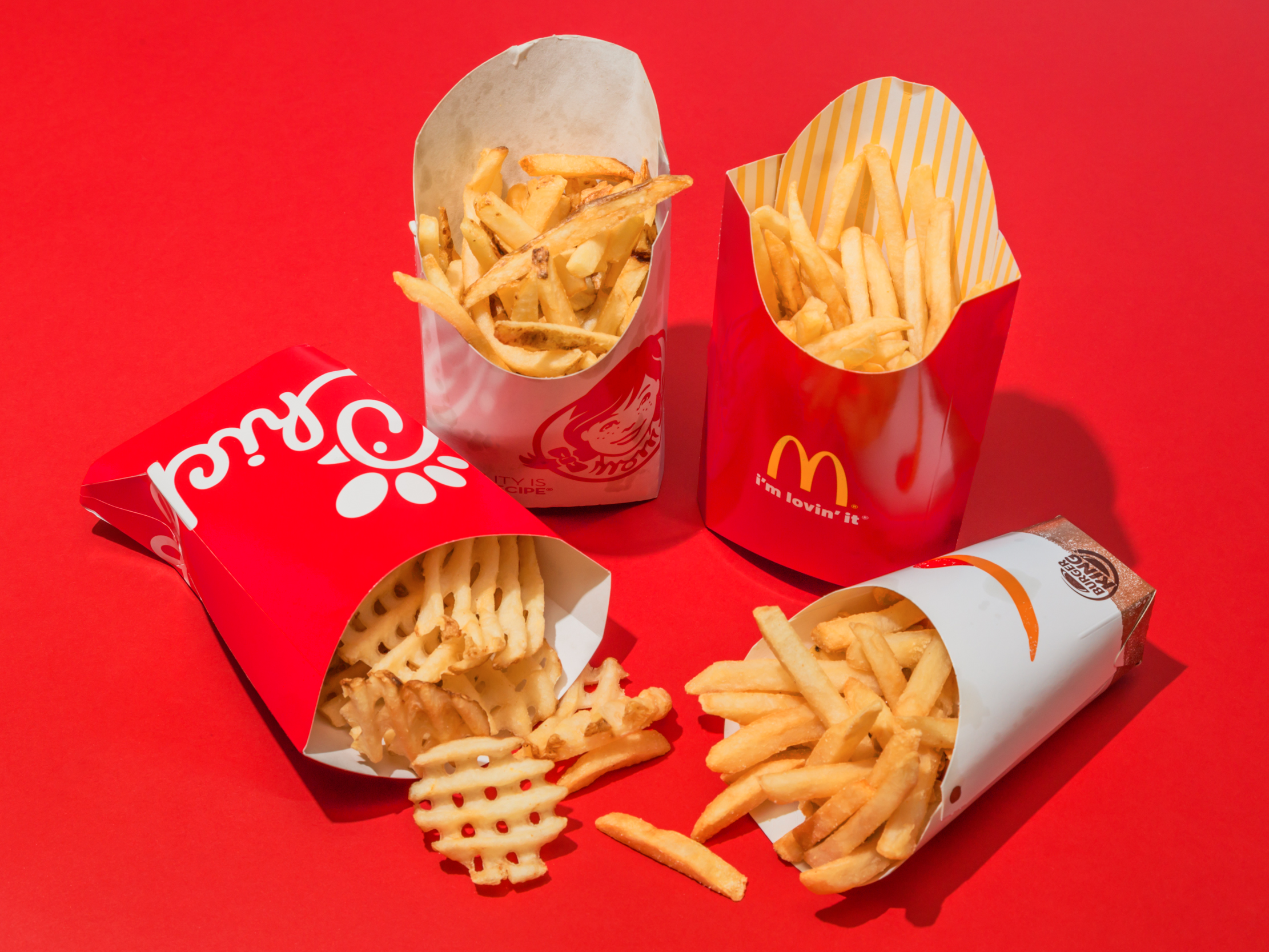 competition fast food The fast food battle is once again bringing good news for many frugal customers burger king is slashing its price for chicken nuggets the burger chain announced earlier that it will be bringing back its previous deal which is the 10-piece chicken nuggets for $149.